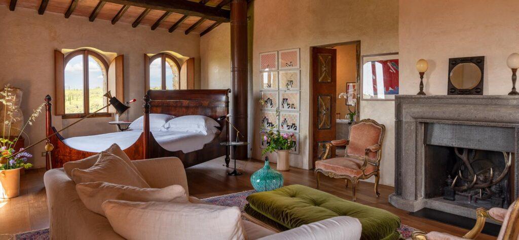 Castello di Vicarello bedroom